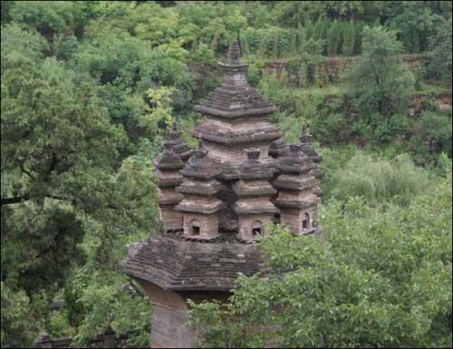 济南著名景区--九顶塔